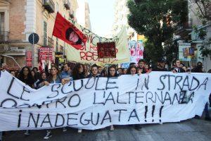 Scuola. Venerdì studenti in piazza a Cagliari