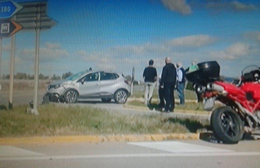 Tragico incidente nella S.S. 387, muore un motociclista
