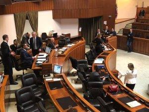 Continuità territoriale, sanità, scuola e formazione, i temi affrontati dal presidente Solinas in Consiglio regionale