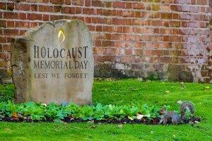"""""""La giornata della Memoria"""". Intervento del Presidente del Consiglio Michele Pais: osservato in aula un minuto di silenzio"""