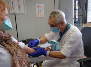 Campagna anti-Covid: oltre 900 nuove dosi di vaccino in arrivo oggi alla Assl di Oristano