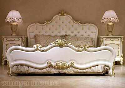 Set Tempat Tidur Mewah Cat Duco Putih