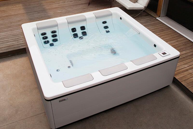 bullfrog hot tubs