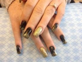 manichiura ombre auriu metalic negru