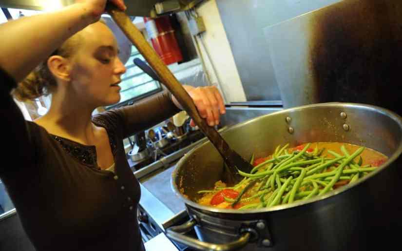 Cum facem gătitul pe timp de vară mai suportabil