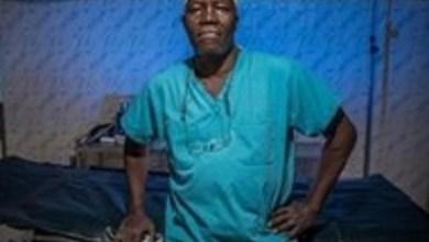 فيديو.. طبيب يستخدم قطع غيار السيارات لإجراء العمليات الجراحية