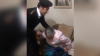 أمن القاهرة ينقل مسنة إلى المستشفى لتلقي العلاج وقت حظر التجول
