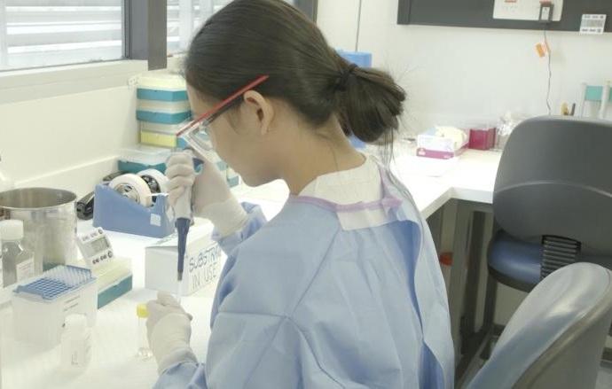أستراليا تبدأ تجارب لقاح مضاد لفيروس كورونا