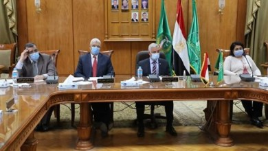 Photo of رئيس جامعة المنوفية يستعرض آخر مستجدات فيروس كورونا بالمستشفيات الجامعية