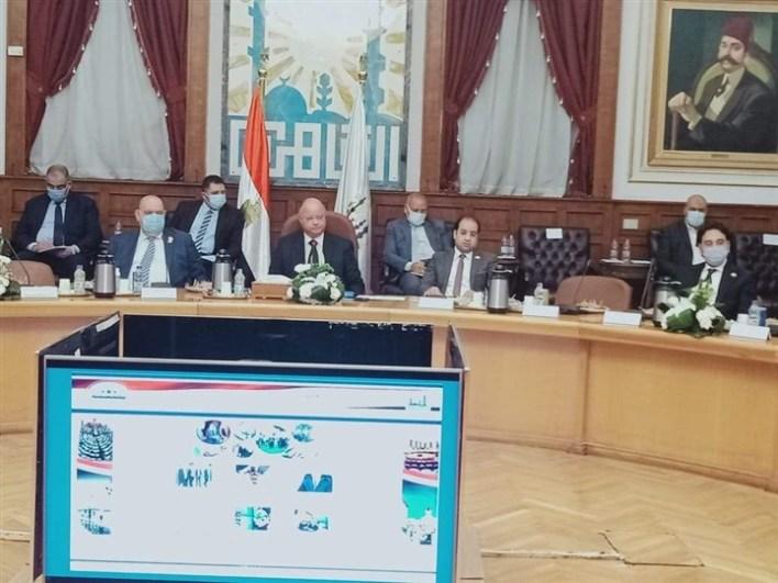 محافظ القاهرة مع أعضاء مجلس النواب الجدد