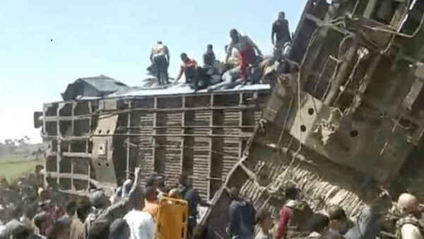 وزارة النقل تصدر بيانا بشأن أسباب حادث تصادم قطارين سوهاج