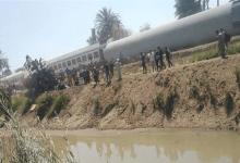 حادث قطار سوهاج.. وزير النقل يأمر بالتحفظ على سائق القطار