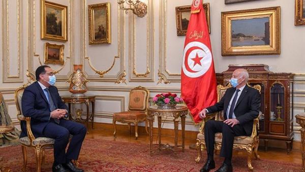 رئيس تونس يستقبل رئيس الوزراء في مقر إقامته بقصر القبة