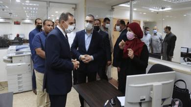 محافظ كفر الشيخ ونائبه يتفقدان الديوان العام لتهنئة العاملين بعيد الفطر
