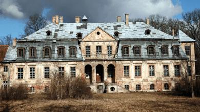 هتلر يُبعث من قصر في بولندا