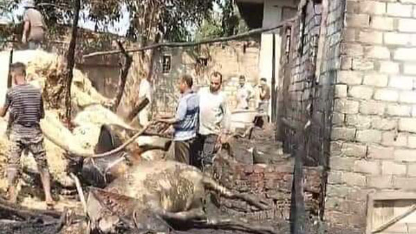 إخماد حريق نشب داخل حظيرة مواشي في بركة السبع.. فيديو وصور