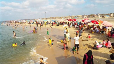 شواطئ مصيف بلطيم تستقبل الهاربين من حرارة الجو