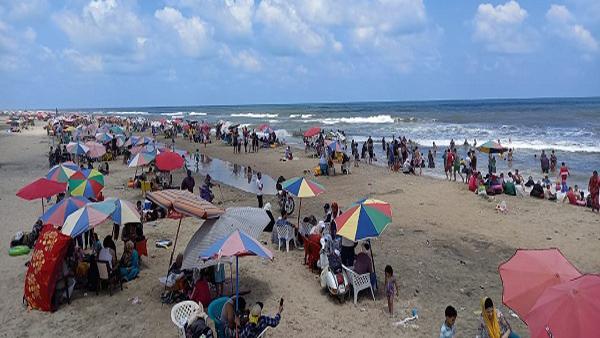 استمرار توافد آلاف المصطافين على مصيف بلطيم في ثالث أيام العيد