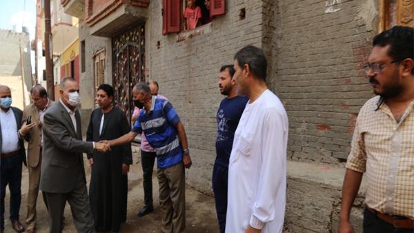 محافظ كفر الشيخ يقدم واجب العزاء لأسرة سامح إبراهيم رضوان
