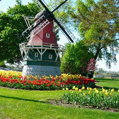 How To Experience Tulip Time In Pella, Iowa