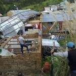 Viviendas se quedan sin techos a consecuencia de vientos huracanados
