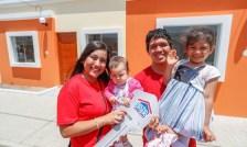 Foto de <MVCS entrega viviendas a 36 familias beneficiadas con el programa Techo Propio
