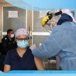 Lucila Valdivia es la primer médico inmunizada contra la COVID-19 en Chota