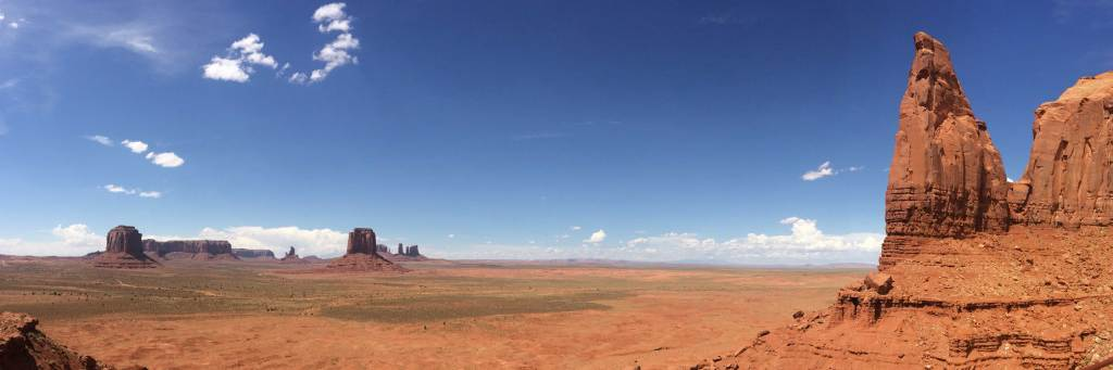 We visited Monument Valley one afternoon. As so many tourist do, one quick look, and on to the next location, and then a quick visit to the next location. We are ready to slow down, and spend more time at each breathtaking location.