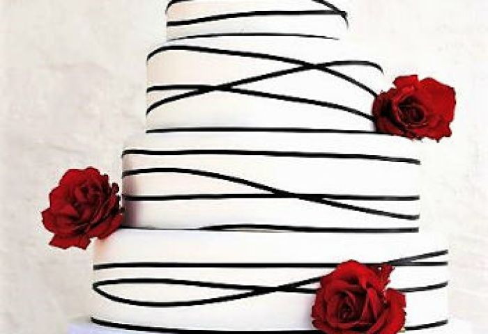 White Wedding Cake With Black Trim Roses