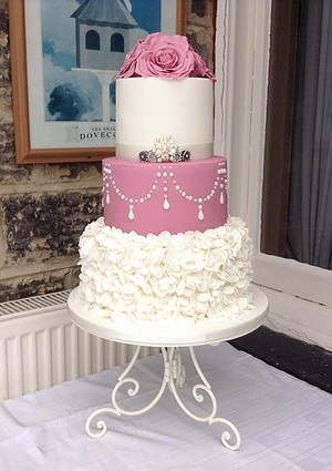 White Wedding Cake  Rolled Fondant Quilted Pearls Mixed Pearl Border     white wedding cake with fresh roses