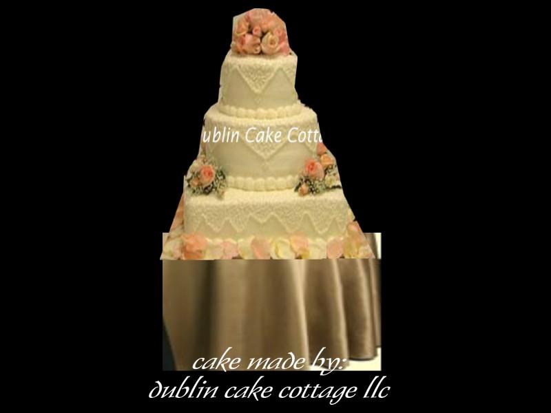 Hidden Pillars Wilton Cake