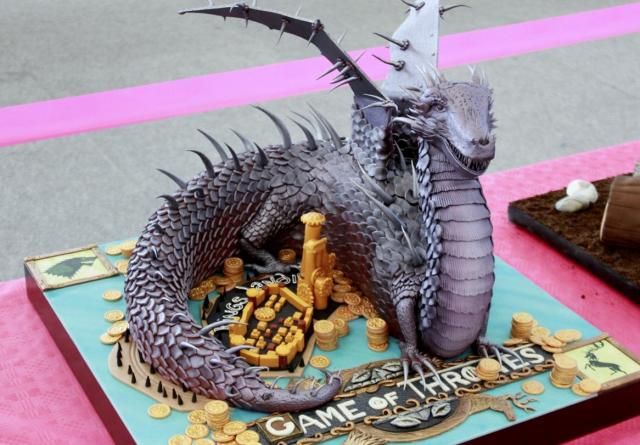 Game Of Thrones Cake With Detailed Sculpted Dragon Jpg 1