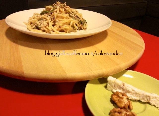 Spaghetti con primo sale alle noci e zucchine