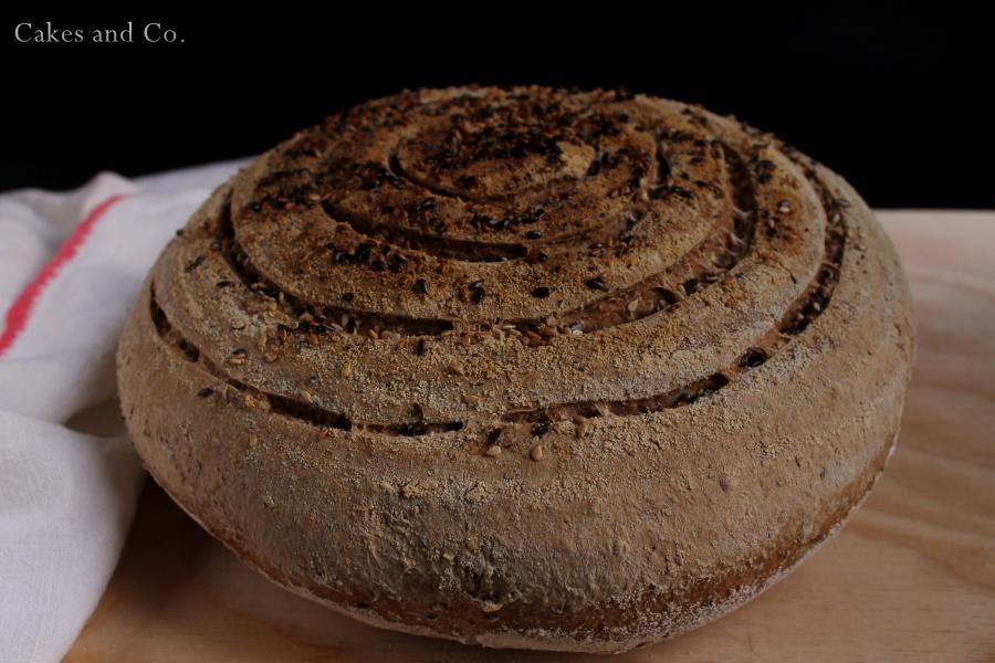 Pane alla segale e semi vari