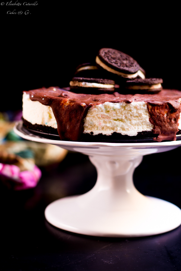 Torta oreo cheesecake con popping candy