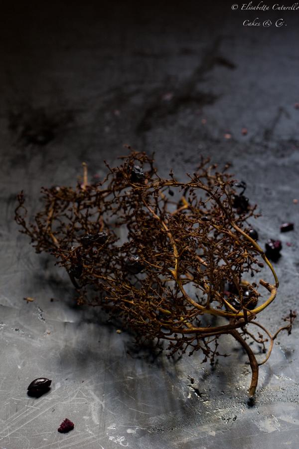 Schiacciata con l'uva o pan con l'uva dolce tipico toscano del periodo autunnale: il raspo di uva canaiola