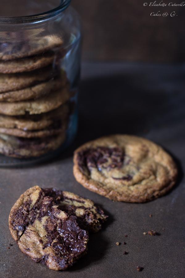 Biscotti al cioccolato caramellati Caramelized Chocolate Chip Cookies