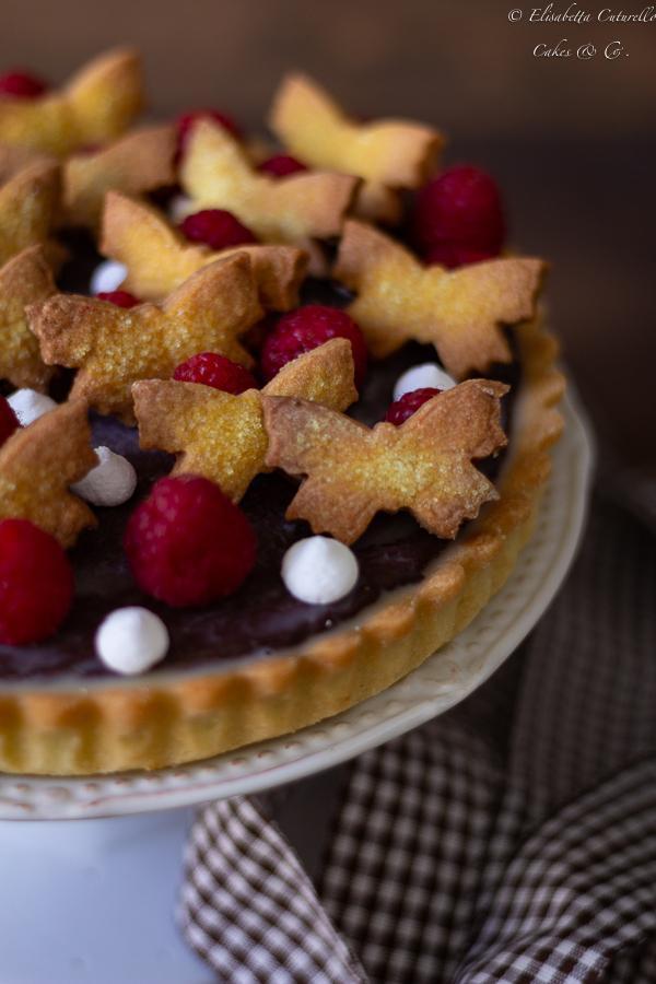 Crostata con confettura di mirtilli rossi e ganache al cioccolato fondente