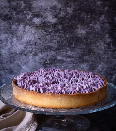 Crostata con confettura di mirtilli e ganache al cioccolato bianco