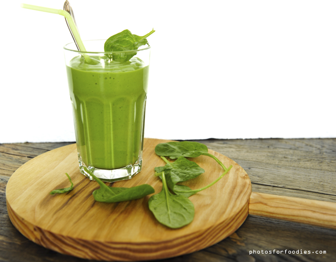 Spinach avacado banana smoothie