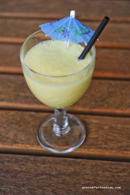 mango-coconutmilk-lemon-smoothie