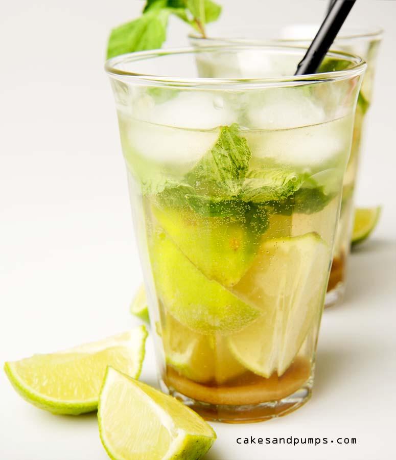 Mojito Cocktail met rum, limoen en mint voor Cocktail Friday