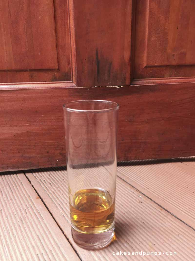 Step 1- put the Borgoe rum in the glass