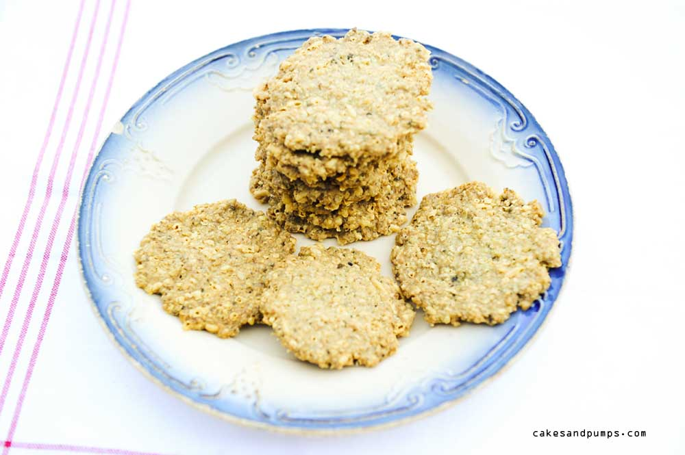 Oatmeal cookies with cheese and basil