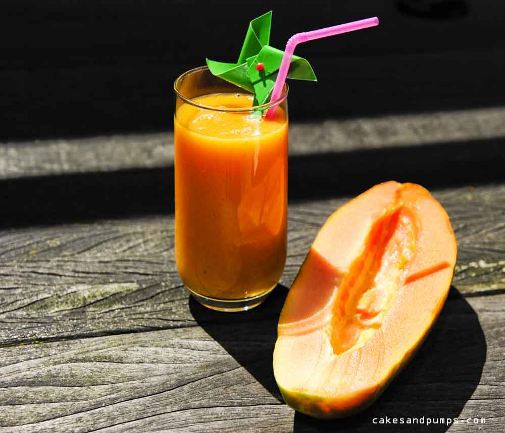 Smoothie voor sunday smoothie met papaya en banaan