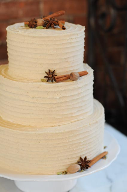 Chai Latte Wedding Cake side view