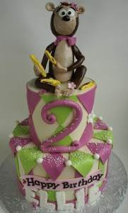 girl birthday cake, jungle cake, banana cake, kid birthday cake