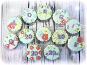 Pretty Bunting Cupcakes