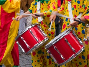 sfilata dei tamburi di carnevale in calabria