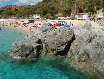 Vacanze al mare sulla spiaggia di Caminia